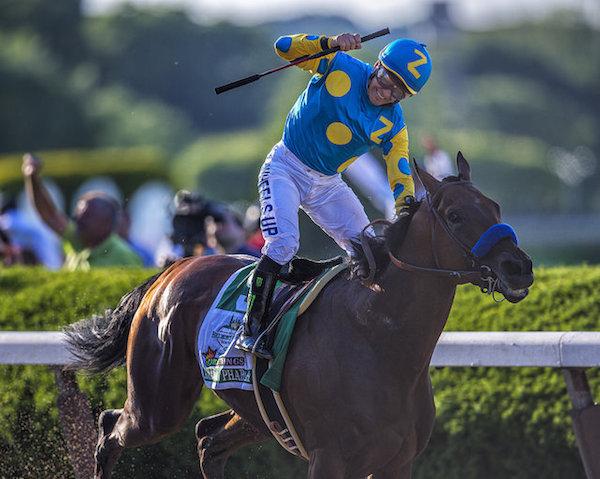 米3冠馬アメリカンファラオの血統や戦績は?37年ぶりの快挙と新たな歴史の幕開け